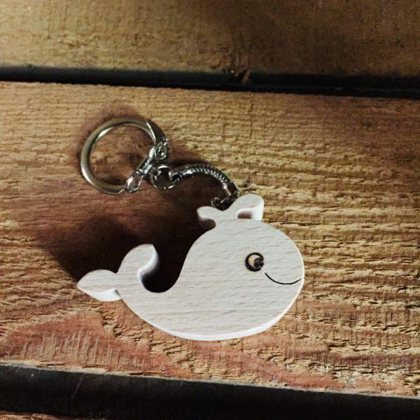 porte clé baleine en hêtre masif