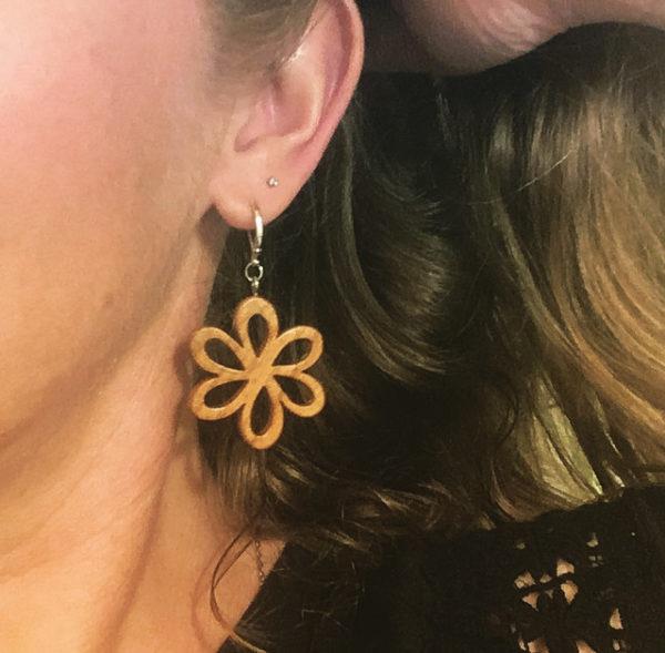 Boucles fleur Asters en merisier huilé