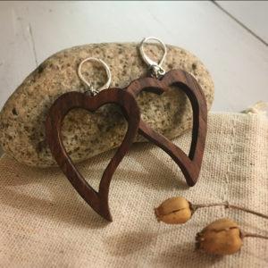 boucles d'oreilles coeur noyer